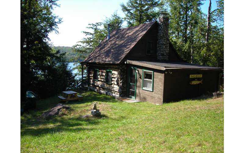 Breezy knoll cabin house rental on lake desolation near for Vacation rentals in saratoga springs ny