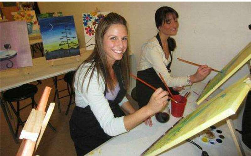 Saratoga Paint And Sip Studio - Latham Location (12)