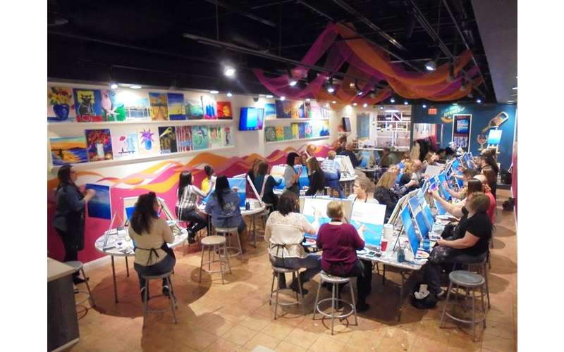 Saratoga Paint And Sip Studio - Latham Location (3)