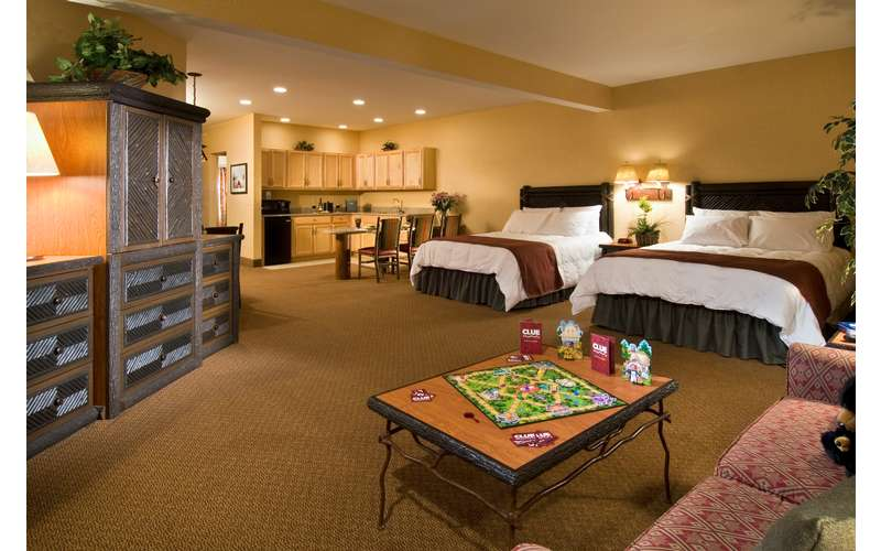 Great Escape Lodge With An Indoor Waterpark Queensbury Ny
