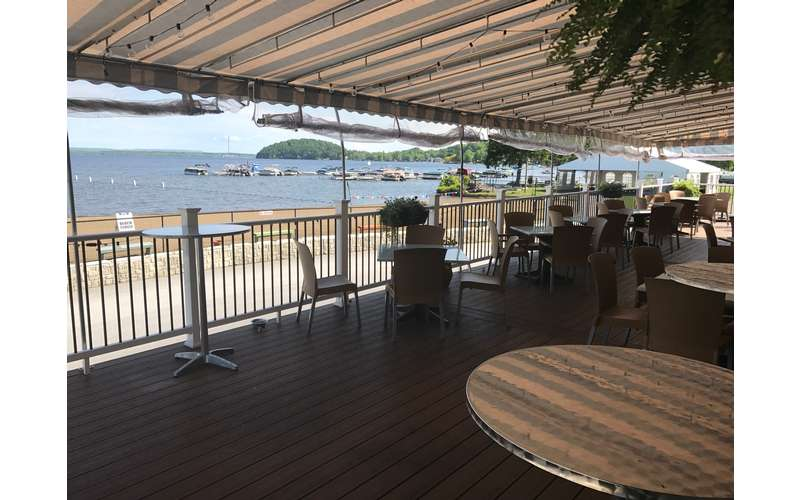 Dock Brown S Lakeside Tavern A Casual Restaurant In