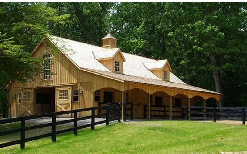 Custom Built Amish Horse Barns Sheds Decks And Sunrooms
