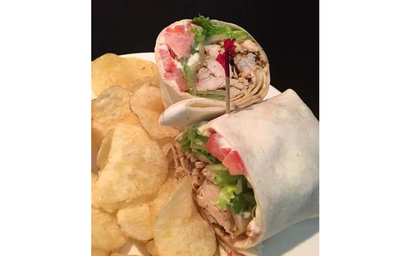 Lazurne Wrap with Grilled Chicken