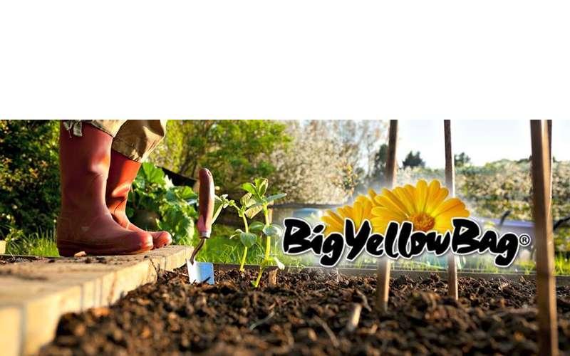 Big yellow bag fresh black garden soil black mulch for Black garden soil