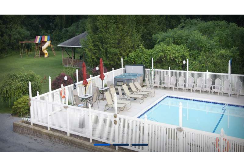 Heated pool with Jacuzzi, game room,  volleyball and more!