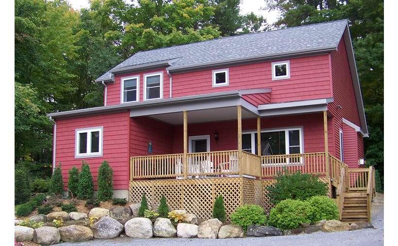 Lakeside Rental Home in Lake George, NY