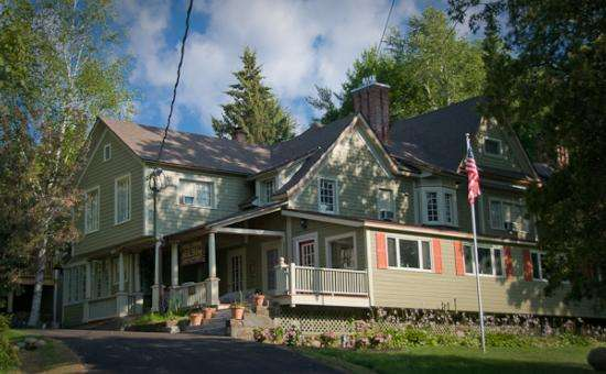 Victorian Mansion Available For Weekly Rental In Lake