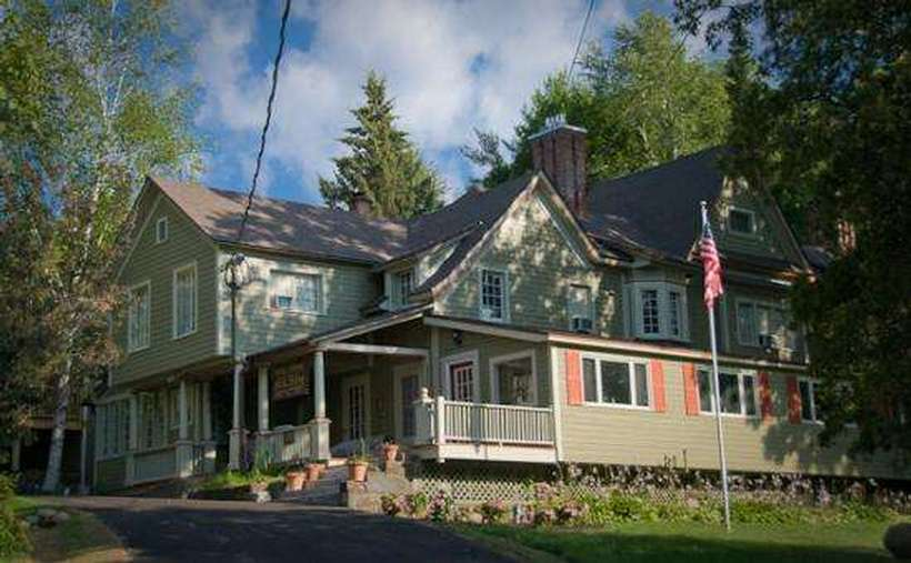 Victorian mansion available for weekly rental in lake for Lake house upstate ny