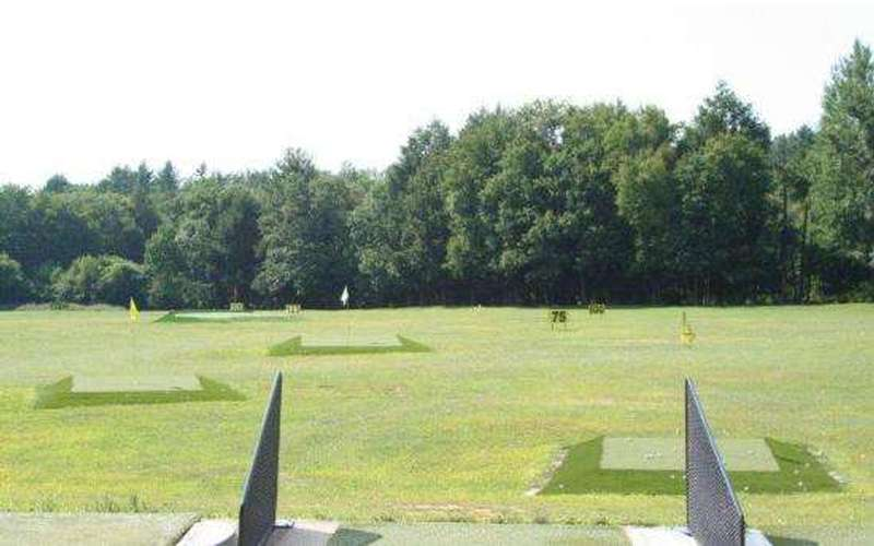 Golf World Driving Range & Golf Instruction (7)