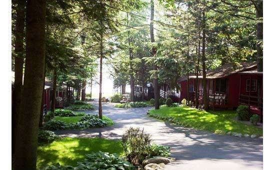 Cottage rentals on lake george ny for Lake george cabins and rv park lake george co