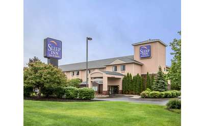 Sleep Inn & Suites Lake George