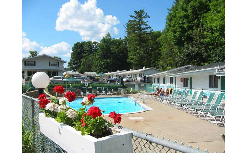 Relax after a busy fun day at the lake or the amusement parks... we have the perfect spot