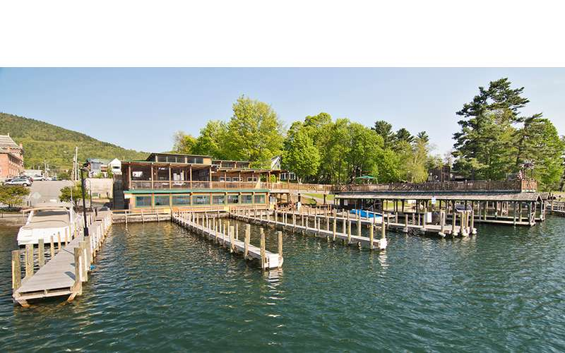 The Boardwalk and Boathouse  right on the waters edge!