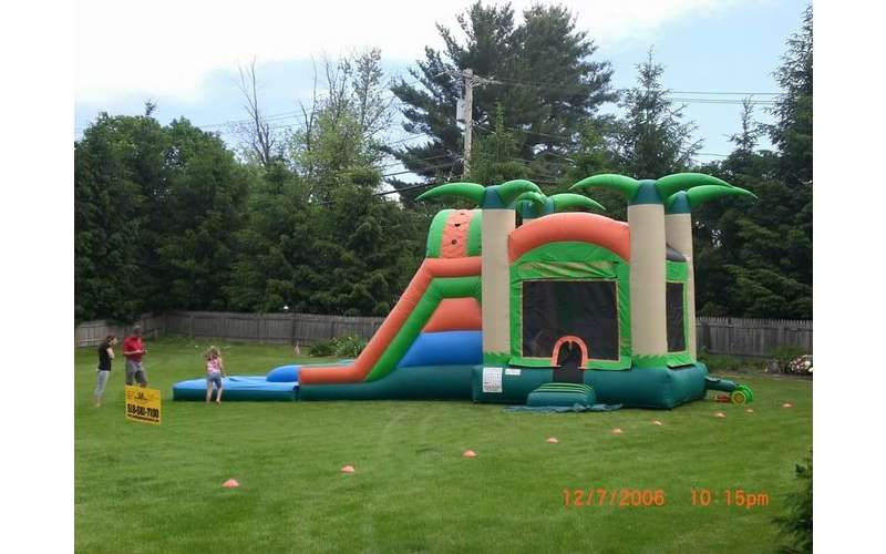 Jumping Bean Party Rental -- Bounce Houses, Waterslides, Food Machines, Tents, Tables & More (5)