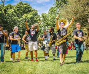 <PRE>Fridays at the Lake: Funky Dawgz Brass Band with Jonathan Newell Band</PRE>