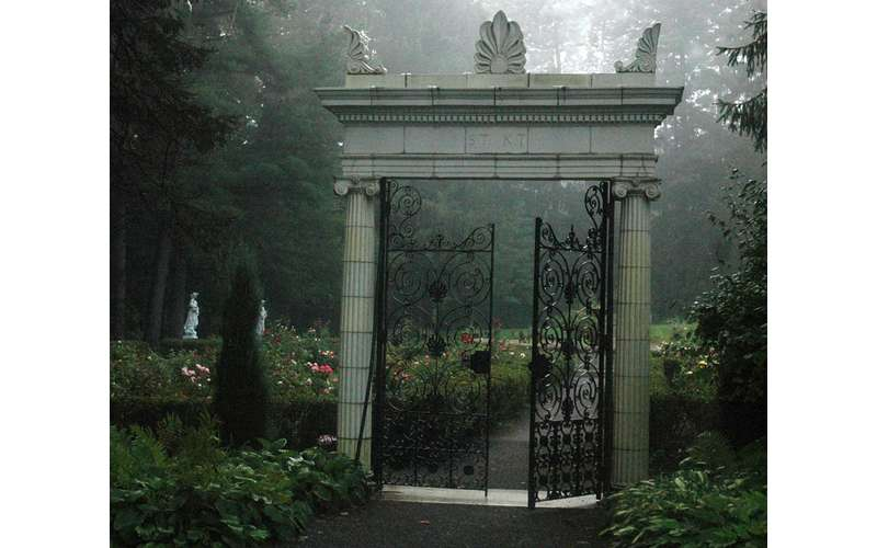 Ghosts in the Yaddo Garden Tours (3)