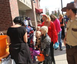 <PRE>Boo 2 You! Trick or Treat in Glens Falls, NY</PRE>