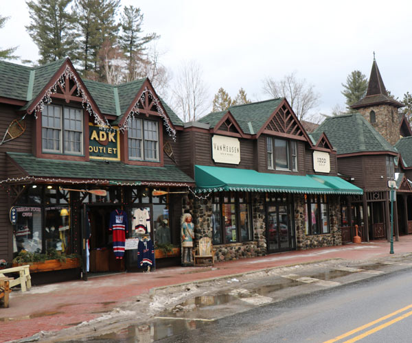 stores in lake placid