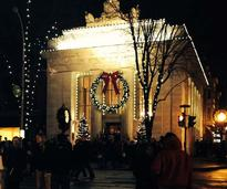 Saratoga Springs' Adirondack Trust Building decorated for the holidays