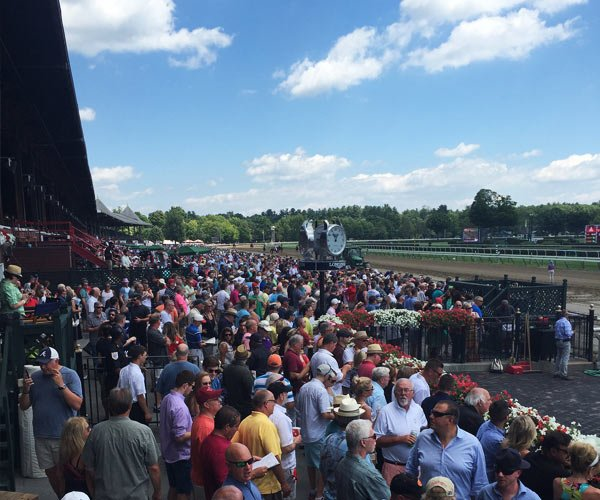 visitors at saratoga race course