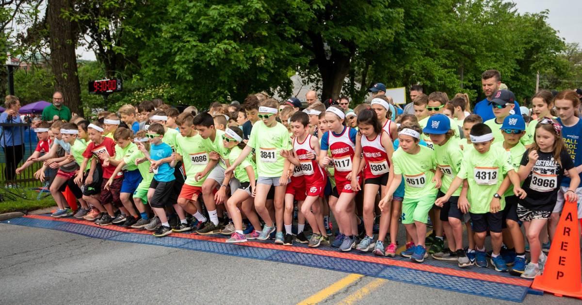 kids running in the fun run