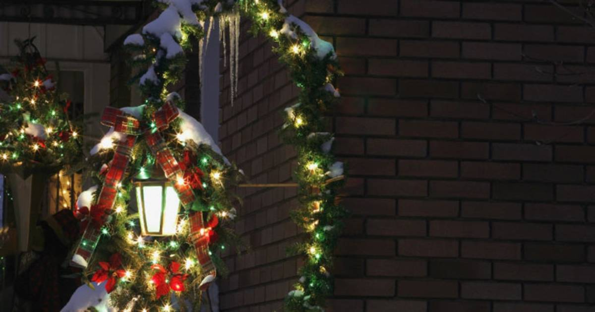 holiday decorated street lamp
