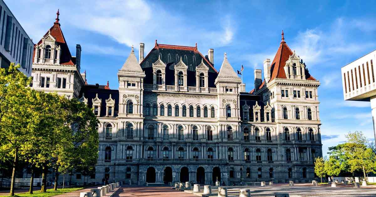 outside of the new york state capitol building