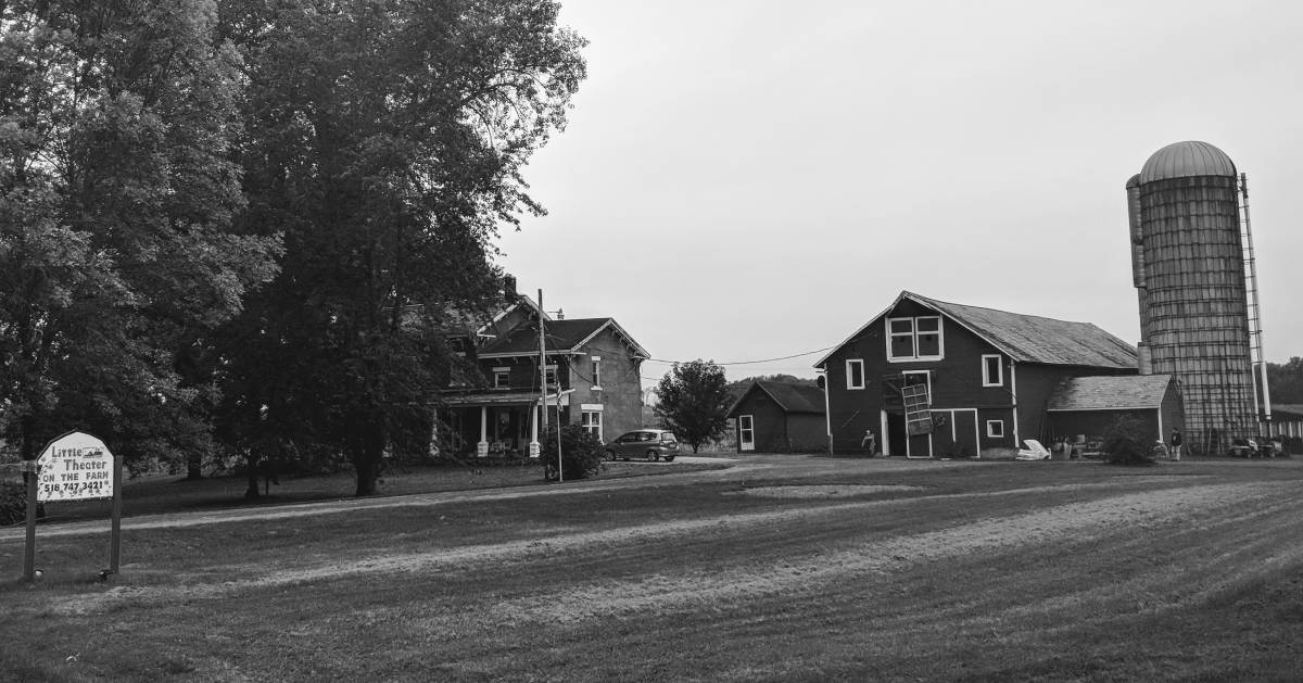 black and white image of barn