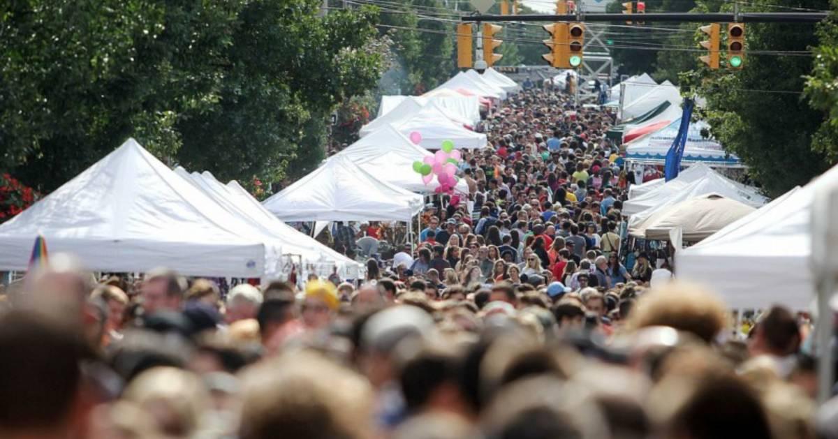 larkfest crowd of people