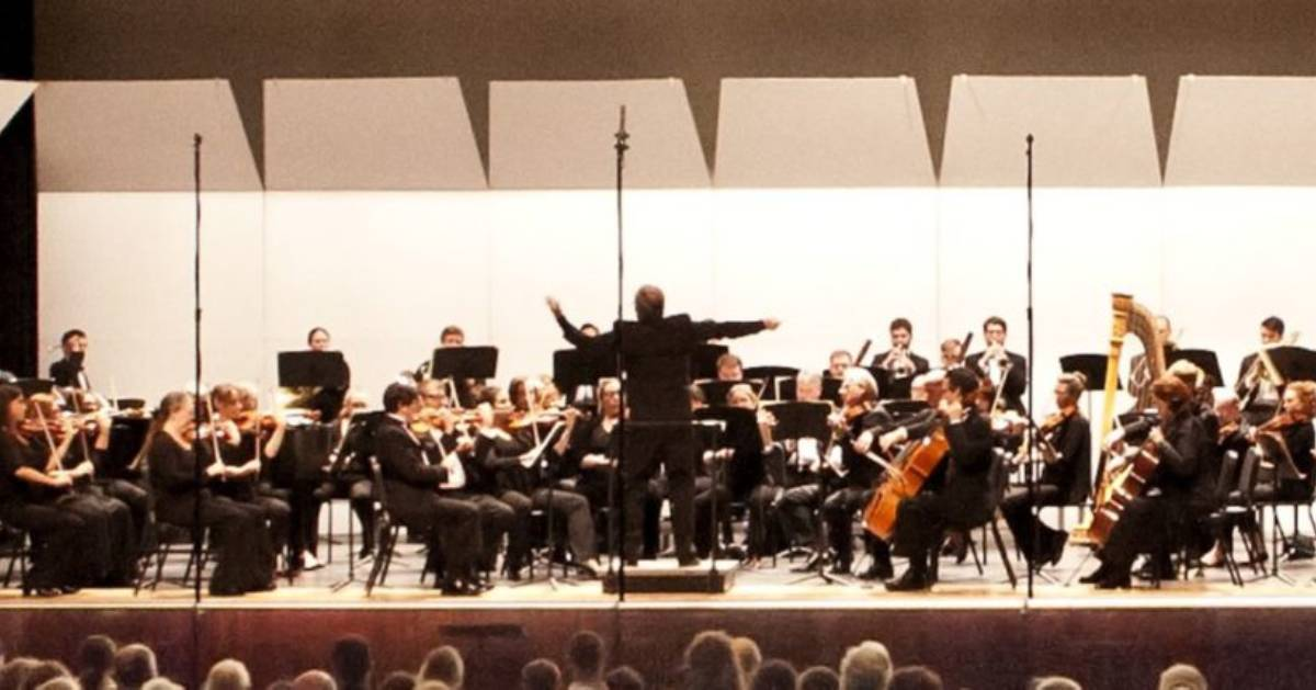 Glens Falls Symphony Orchestra performing