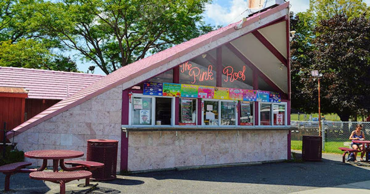 outside of Pink Roof ice cream shop