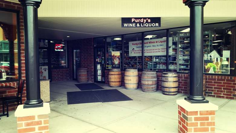 main entrance of purdy's discount wine and liquor