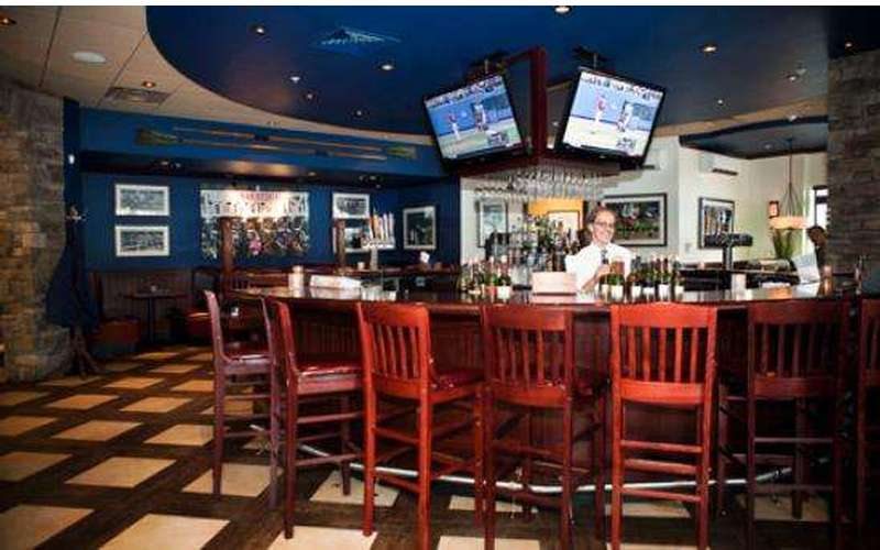 Jacob & Anthony's American Grille (12)