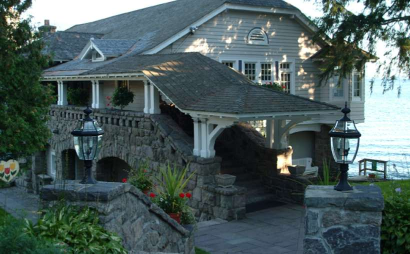 a view of part of the bed and breakfast from the outside
