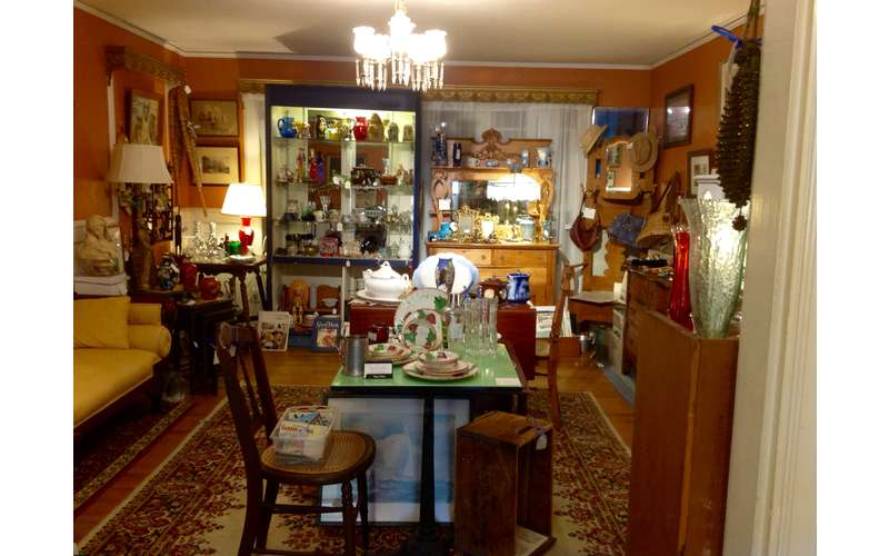 Glenwood Manor Antiques & More (2)