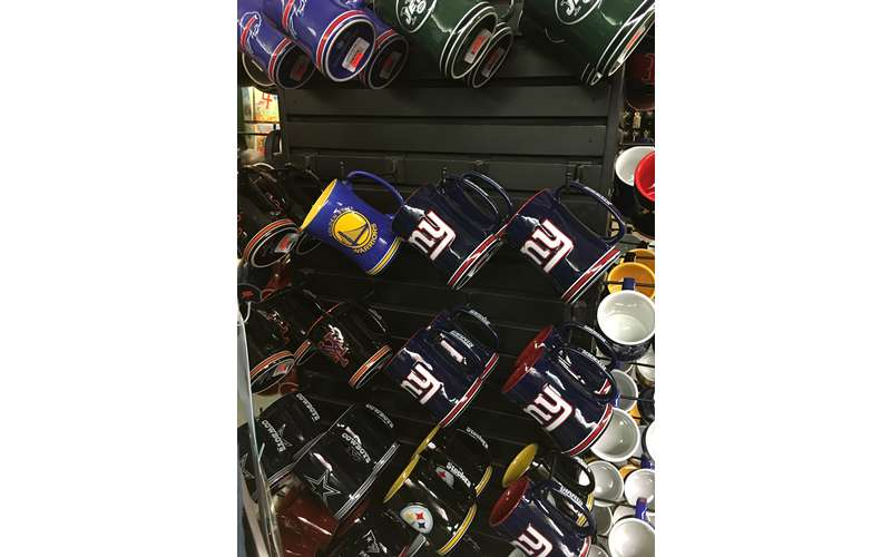 Large sélection of sports mugs