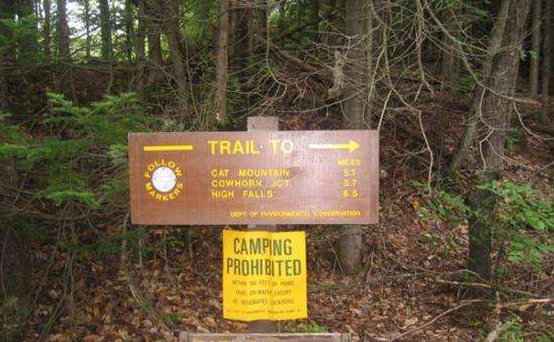 cat mountain trail sign