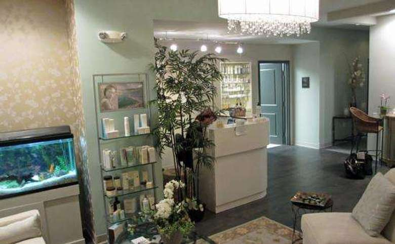 fish tank and shelves full of products in the clinique lobby