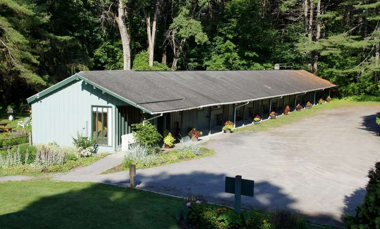 the Saratoga Garden Motel &the Garden Therapeutic Services (5)