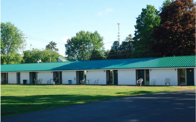 Adirondack Inn (4)