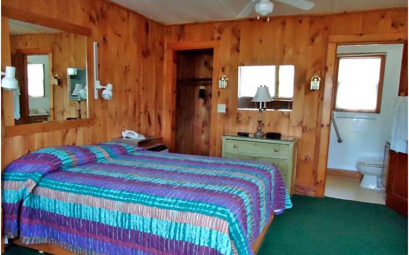 Adirondack Inn (9)