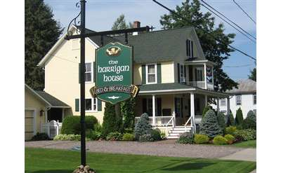 the exterior of the harrigan house bed and breakfast