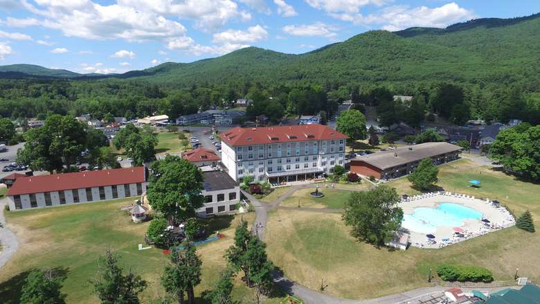 Fort William Henry Hotel and pool