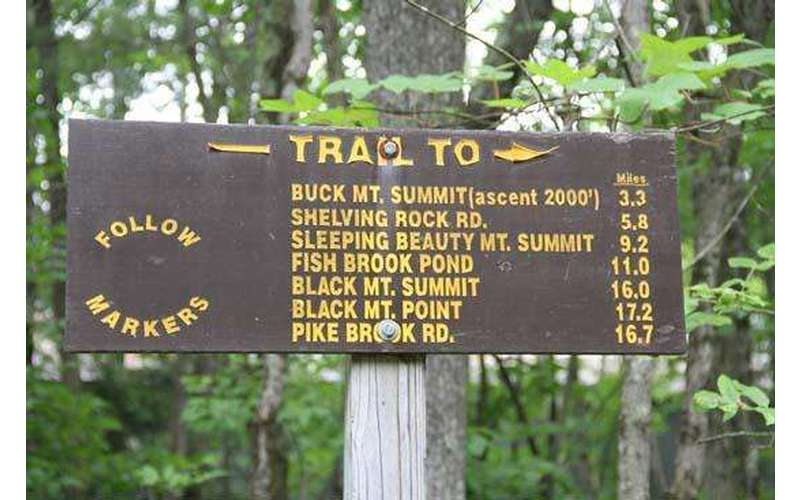 Here is the sign at the trail.  Note, there is nothing on it that says Stewart's Ledge - this is our local secret spot that we are sharing with you.