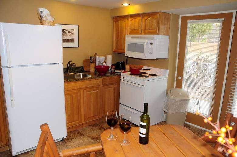 Alpine Lodge kitchen