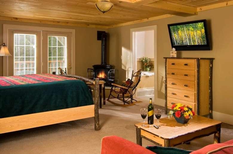 bedroom in Alpine lodge