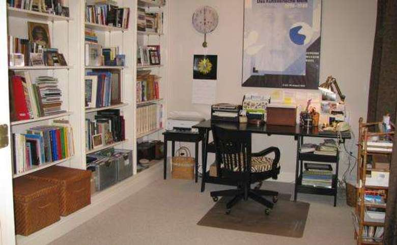 Clean room with nothing on the floor, papers put away
