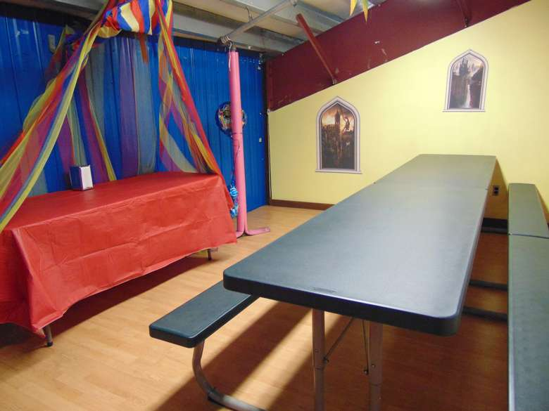 birthday party room at adventure family fun center