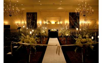 Find albany wedding tent rentals supplies wedding gifts and party the desmond hotel albany the desmond hotel albany albany ny junglespirit Choice Image