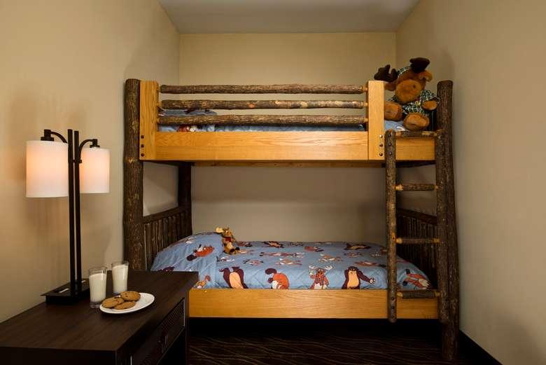 adirondack themed bunk beds